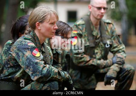 Members of the German Armed Forces (Bundeswehr) Reservists Association train civilians willing to become the reservists of Bundeswehr in Berlin, Germany, September 15, 2018. REUTERS/Hannibal Hanschke