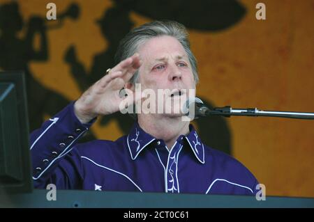 Former Beach Boy Brian Wilson performs at the 36th annual New Orleans Jazz & Heritage Festival, April 24, 2005. The Festival continues through May 1. REUTERS/David Rae Morris  drm