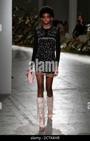 Milan, Italy. 23rd Sep, 2020. BLUMARINE SS21 Runway during Milan Fashion Week September 2020 - Milan, Italy 23/09/2020 | usage worldwide Credit: dpa/Alamy Live News