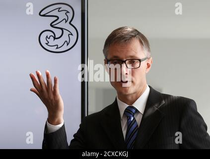 Chief Executive Officer (CEO) of Hutchison Whampoa's telecoms unit Drei Austria Jan Trionow addresses a news conference in Vienna September 24, 2014.    REUTERS/Leonhard Foeger (AUSTRIA - Tags: BUSINESS TELECOMS)