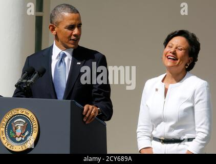 U.S. President Barack Obama announces Penny Pritzker (R) as his new nominee for the U.S. Secretary of Commerce in the Rose Garden at the White House in Washington May 2, 2013.      REUTERS/Larry Downing  (UNITED STATES - Tags: POLITICS BUSINESS) - Stock Photo