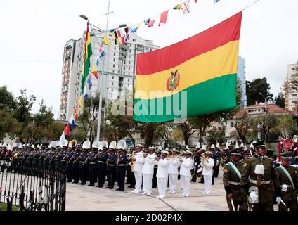 Bolivia's military bands attend celebrations for 'Day of the Sea' in La Paz March 23, 2012. Bolivia lost its coastline 133 years ago to Chile in the 'Guerra del Pacifico', or War of the Pacific. REUTERS/David Mercado (BOLIVIA - Tags: POLITICS ANNIVERSARY MILITARY) - Stock Photo