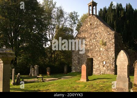 the Old Kirk at Balquhidder in Scotland & graves of Rob Roy McGregor, his wife Mary & two sons