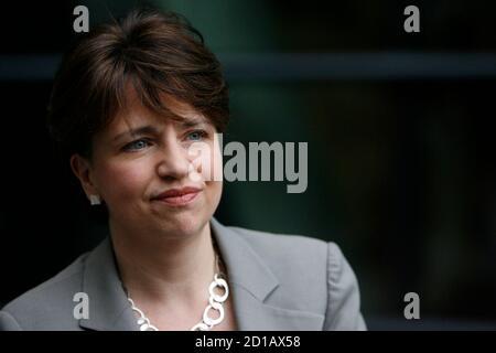 Scottish Labour Party leader Wendy Alexander speaks to the media in Edinburgh, Scotland February 3, 2008. REUTERS/David Moir (BRITAIN)