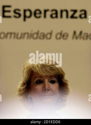 Esperanza Aguirre, the president of the Madrid Regional Government and one of the main Popular Party (PP) leaders, prepares to speak at a political luncheon in Madrid April 7, 2008. REUTERS/Sergio Perez (SPAIN)