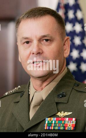 Vice Chairman of the Joint Chiefs, Commander of U.S. Strategic Command Marine Gen. James Cartwright, speaks at the White House in Washington, June 28, 2007.          REUTERS/Larry Downing   (UNITED STATES) - Stock Photo