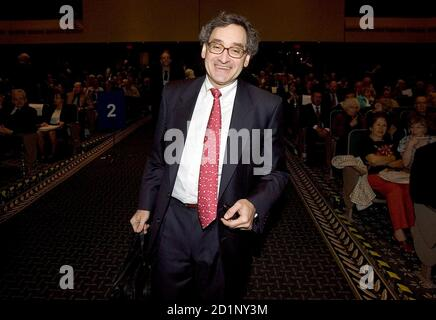 Michael Sabia, president and chief executive officer of Bell Canada Enterprises, enters the company's annual meeting in Montreal, June 6, 2007. REUTERS/Christinne Muschi (CANADA)