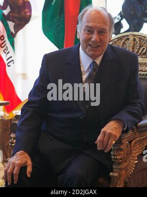 The Aga Khan, spiritual leader of Ismaili Muslims meets with California Governor Arnold Schwarzenegger (not shown) in Santa Monica, California, April 14, 2008.  The Aga Khan is visiting the Governors of the U.S. states of Texas, California, illinois and Georgia.   REUTERS/Lucy Nicholson  (UNITED STATES) - Stock Photo