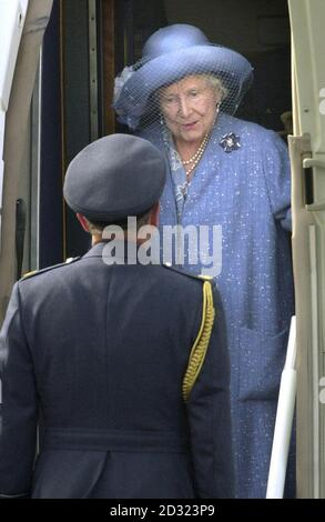 The Queen Mother arrives at Scotland's Wick Airport before being taken to the Castle of Mey, for her annual holiday.     * The Queen Mother traditionally spends the first part of her holiday at her castle on the north coast of Scotland, before heading south to join her daughter (Britain's Queen Elizabeth II) and family at Balmoral.