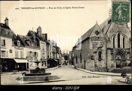 Nogent le Rotrou Eure et Loir, Rue de Sully et Eglise Notre Dame | usage worldwide - Stock Photo