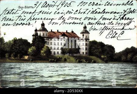 Skokloster Schweden, Blick auf das Schloss über Gewässer hinweg, Fassade | usage worldwide