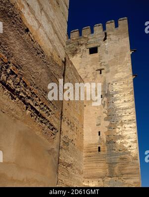 Spain, Andalusia, Granada. The Alhambra. The Alcazaba. The construction of the complex was commissioned by Mohammed I in 1238. The Alcazaba became a real fortress, where the king established the royal residence. View of The Keep (Torre del Homenaje). - Stock Photo
