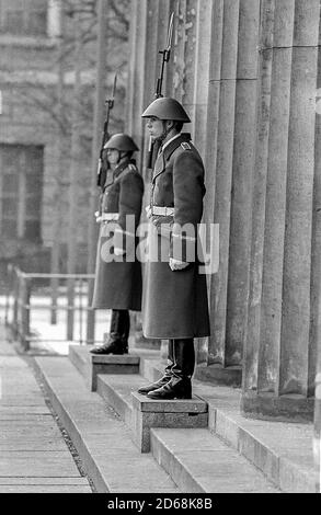 National People's Army soldiers on guard at the Neue Wache in East Berlin - Stock Photo