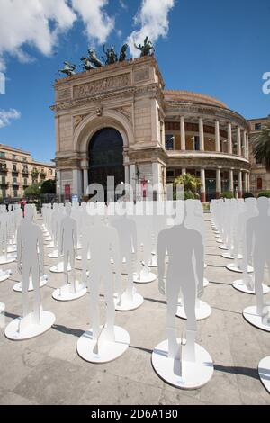 1MAY Teatro Politeama Garibaldi Palermo,Sicilien,Italien. - Stock Photo