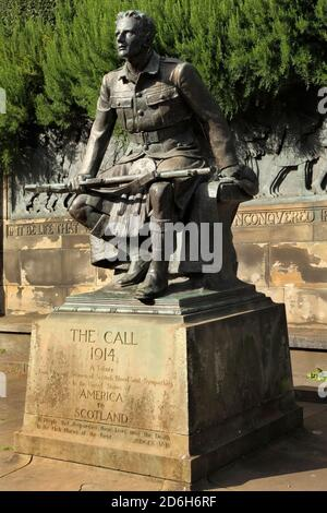 The Scottish American Memorial or 'The Call 1914', erected in 1927, Princes Street Gardens, Princes Street, Edinburgh, Scotland. - Stock Photo