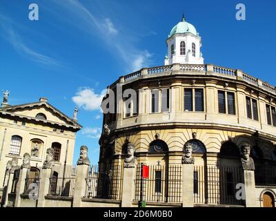 The Sheldonian Theatre in the city of Oxford, Oxfordshire, England, UK built between 1664-8 and is part of the Oxford University - Stock Photo