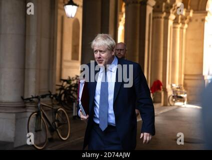 London, UK. 20th Oct, 2020. Boris Johnson, UK Prime Minister, arrives back after the weekly Cabinet meeting. Credit: Mark Thomas/Alamy Live News