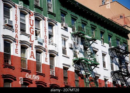 Little Italy Puglia Restaurant Manhattan New York City Usa Stock Photo Alamy