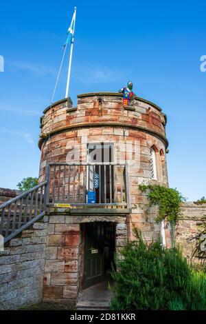 Round tower on perimeter wall of Dirleton Castle in Dirleton Village, East Lothian, Scotland, UK Stock Photo