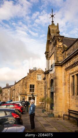 UK, England, Staffordshire, Moorlands, Longnor, Market Place, grand building