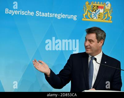 Munich, Germany. 27th Oct, 2020. Markus Söder (CSU), Minister President of Bavaria, will take part in a press conference following the cabinet meeting. Credit: Peter Kneffel/dpa/Alamy Live News