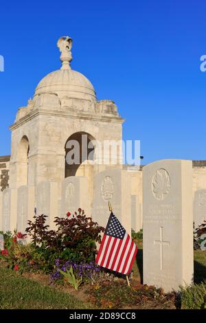 Close-up of rotunda with angel and military graves at Tyne Cot Cemetery (1914-1918) in Zonnebeke, Belgium