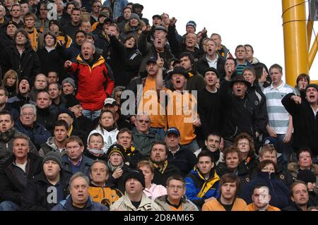 Wolverhampton Wanderers v West Bromwich Albion, 28 January 2007 at Molineux. FA Cup 4th round. Wolves fans supporters - Stock Photo