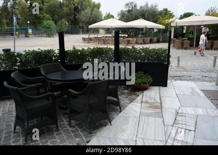 Exterior view of a closed restaurant during the first day of implementation of the new restrictive measures against the spread of the pandemic of Covid-19, in Athens, Greece on November 3rd, 2020. Credit: ALEXANDROS MICHAILIDIS/Alamy Live News