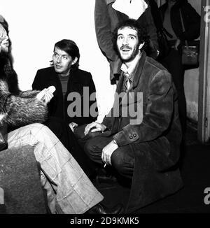 Francesco De Gregori and Fabrizio De Andrè during their recital at the Palalido, Milan, 13 November 1975. --- Francesco De Gregori e Fabrizio De Andrè durante un loro recital al Palalido, Milano, 13 novembre 1975. - Stock Photo