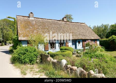 'Blue House' in Warthe on the Lieper Winkel peninsula, Lieper Winkel, Usedom Island, Baltic Sea, Mecklenburg-Western Pomerania, Germany - Stock Photo