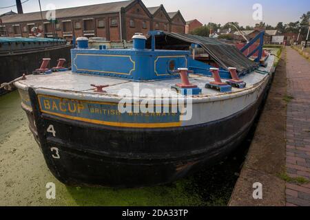 UK, England, Cheshire, Ellesmere Port, National Waterways Museum, Upper Basin, Bacup British Waterways board barge - Stock Photo