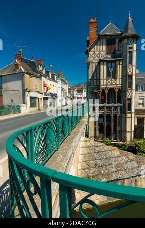 France, Cher (18), Vierzon, Voltaire bridge, old half-timbered house and the Yèvre river - Stock Photo