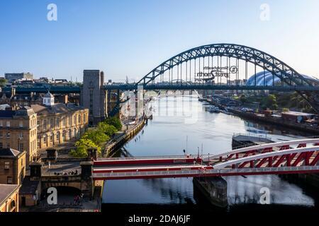 Newcastle upon Tyne skyline, River Tyne, Tyne Bridge, Quayside, UK - Stock Photo