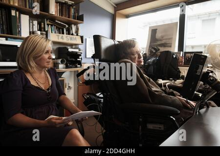 GREAT BRITAIN /Cambridge/Stephen Hawking and his daughter Lucy Hawking © Horst A. Friedrichs - Stock Photo
