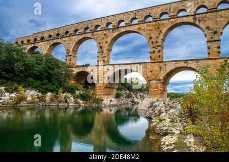 Pont du Gard, Languedoc Roussillon region, France, Unesco World Heritage Site.  Roman Aqueduct crosses the River Gardon near Vers-Pon-du-Gard Languedo