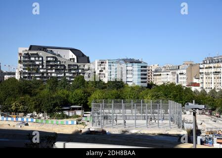 Paris (France): buildings in the Batignolles District, close to the Clichy Batignolles Martin Luther King Park, in the 17th arrondissement (district) - Stock Photo