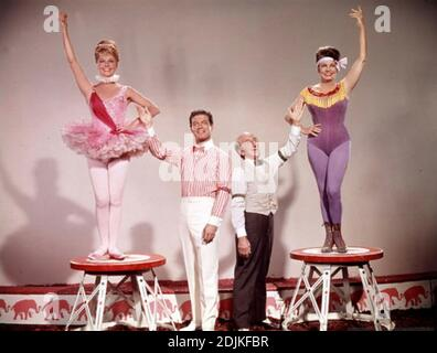 BILLY ROSE'S JUMBO 1962 MGM film with from left: Doris Day, Stephen Boyd, Jimmy Durante, Martha Raye