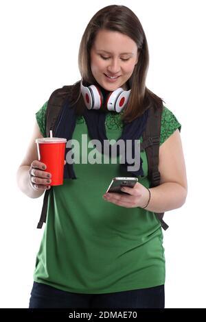 Studentin mit Handy Smartphone Cola Getränk junge Frau jung Jugendliche Freisteller freigestellt auf weissem Hintergrund