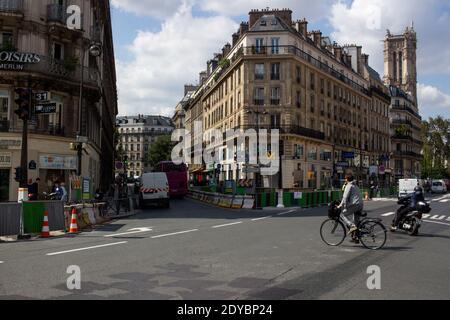lllustration of daily life in Paris, France. lllustration du quotidien à Paris en France.