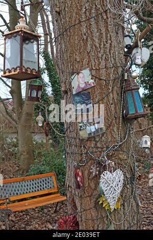 Suicide memorial garden shrine,Latchford Locks,Latchford,Thelwall Lane,Warrington,Cheshire,England,UK - Stock Photo