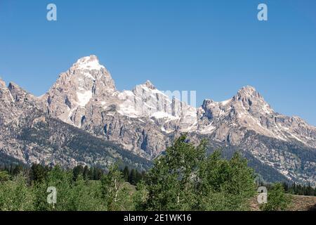 Jagged mountain peaks inside Grant Teton National Park