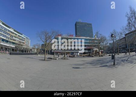 Berlin in Zeiten der Corona-Krise, 25.03.2020. Hier: Der menschenleere Breitscheidplatz, Charlottenburg, Berlin, Deutschland