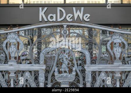 Berlin in Zeiten der Corona-Krise, 25.03.2020. Hier: Kaufhaus Kadewe hat geschlossen, Tauentzien, Berlin, Deutschland