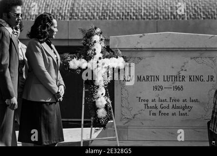 Coretta Scott King, widow of slain civil rights leader Dr. Martin Luther King, Jr., at the tomb of her husband at the King Center in Atlanta, GA. - Stock Photo