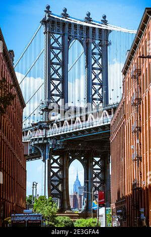 Manhattan Bridge, seen from DUMBO. Empire State Building on the background.