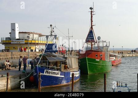 Fishing cutter in the port of Sassnitz, Sassnitz, Jasmund Peninsula, Ruegen Island, Baltic Sea, Mecklenburg-Western Pomerania, Germany