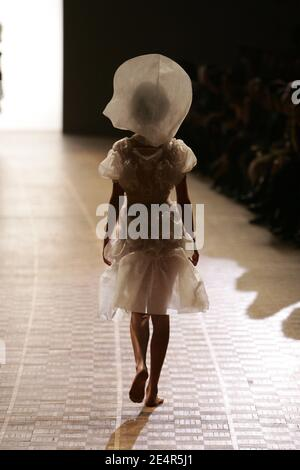 A model displays a creation by Japanese designer Dai Fujiwara for Issey Miyake during the Fall-Winter 2008-2009 Ready-to-Wear collection show in Paris, France on February 28, 2008. Photo by Java/ABACAPRESS.COM