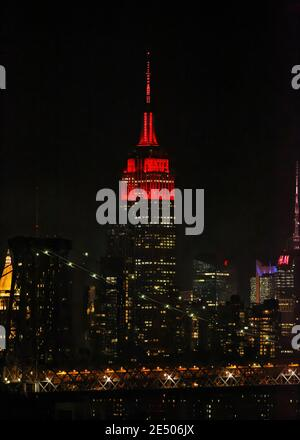 Empire State Building lighting ceremony to honor COVID-19 victims