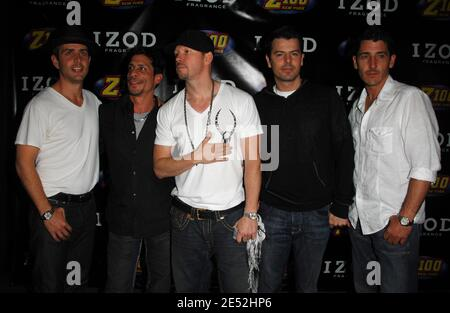 (L to R) Singers Joey McIntyre, Danny Wood, Donnie Wahlberg, Jordan Knight and Jonathan Knight of New Kids on the Block pose in the press room during Z100's Zootopia at the IZOD Center in East Rutherford, New Jersey, USA on May 17, 2008. Photo by Gregorio Binuya/ABACAUSA.COM (Pictured : Joey McIntyre, Danny Wood, Donnie Wahlberg, Jordan Knight, Jonathan Knight, New Kids on the Block) Stock Photo