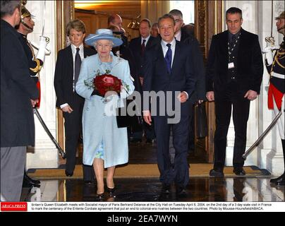 Britain's Queen Elizabeth meets with Socialist mayor of Paris Bertrand Delanoe at the City Hall on Tuesday April 6, 2004, on the 2nd day of a 3 day state visit in France to mark the centenary of the Entente Cordiale agreement that put an end to colonial-era rivalries between the two countries. Photo by Mousse-Hounsfield/ABACA. Stock Photo